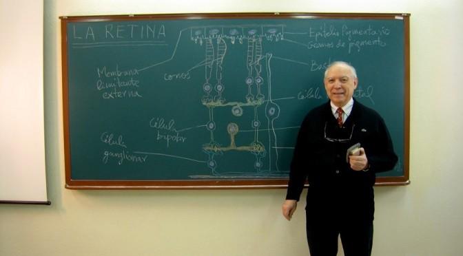 Un profesor de la UMU reúne en un libro un centenar de antiguos dibujos con los que enseñaba Medicina y Biología a sus alumnos
