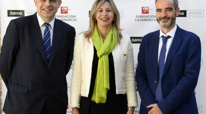 La Universidad de Murcia, Bankia y Fundación Cajamurcia conceden ayudas para estudiar en el extranjero