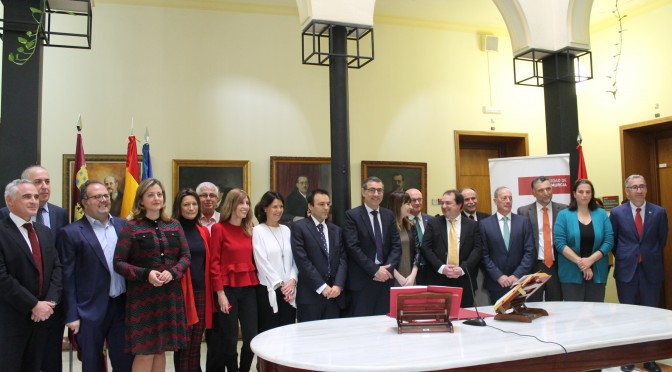 Doce docentes de la Universidad de Murcia toman posesión de sus cátedras y plazas de profesor titular