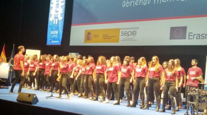 La Coral de la Universidad de Murcia actúa en el Teatro Real en el acto de difusión del programa Erasmus+