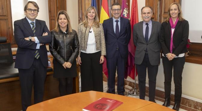 La UMU y Bankia sellan un acuerdo para la elaboración del informe GEM, que monitoriza la actividad emprendedora en la Región
