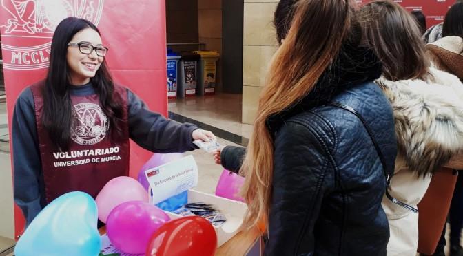 La Universidad de Murcia reparte preservativos entre el alumnado en el Día Europeo de la Salud Sexual y Reproductiva