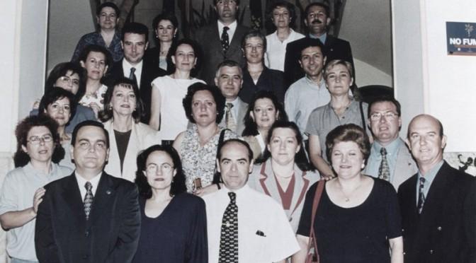 Un grupo de trabajadores de la Universidad de Murcia se reúne para celebrar sus 40 años en el centro