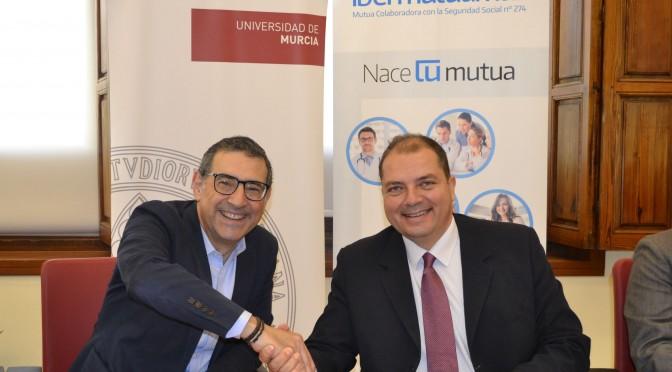 La UMU e Ibermutuamur firman un convenio para la realización de prácticas externas de estudiantes universitarios