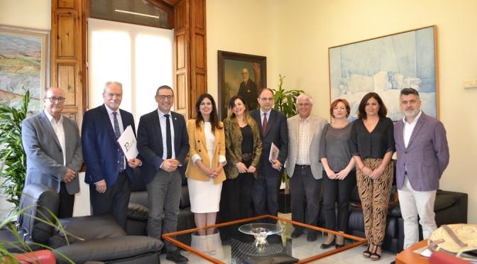 La Universidad de Murcia presenta la XXI edición del premio 'Libro Murciano del año 2018'