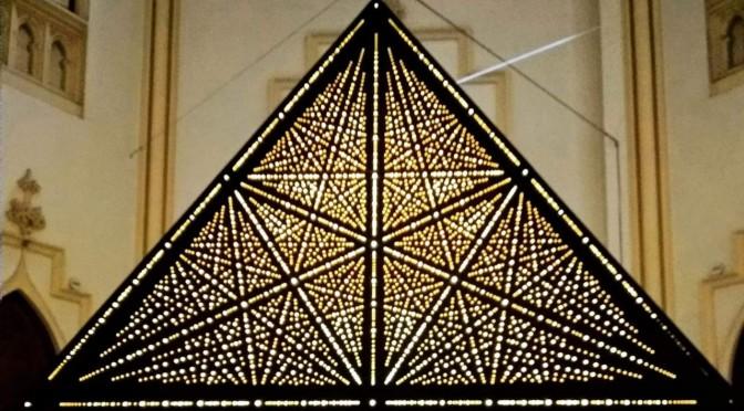 """Soledad Sevilla expone en la sala la Capilla de la UMU su mapa del universo: """"La forma de las estrellas"""""""