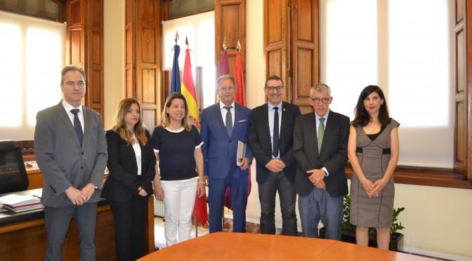 La Universidad de Murcia sella un protocolo de colaboración con el Colegio Oficial de Graduados Sociales de la Región
