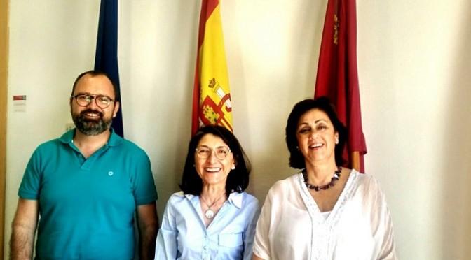 La Universidad de Murcia y ASTRADE firman un convenio de voluntariado