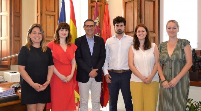 La Universidad de Murcia y Aspanpal se unen para impartir estudios propios de lengua de signos