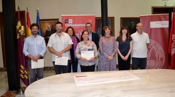 La UMU entrega el 'I Premio a la mejor tesis doctoral en materia de Igualdad de Género' a Sara Sánchez Peñas