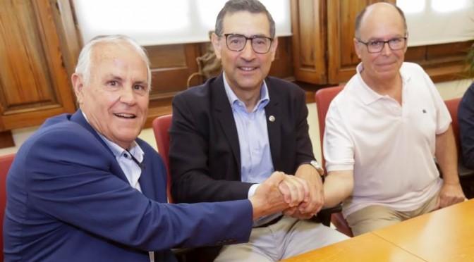La UMU firma un contrato de servicios con la empresa Fundown- plant para la gestión y mantenimiento de zonas verdes