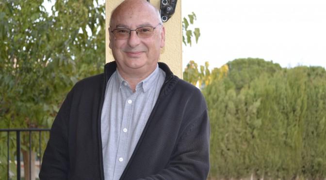 """""""Si el gobierno no apoya la investigación básica en las instituciones públicas ¿quién lo hace?"""" (Francisco J. Martínez Mojica, doctor Honoris Causa por la UMU)"""