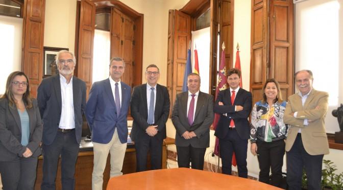 La Universidad de Murcia y Villapharma crean una cátedra de Química Médica