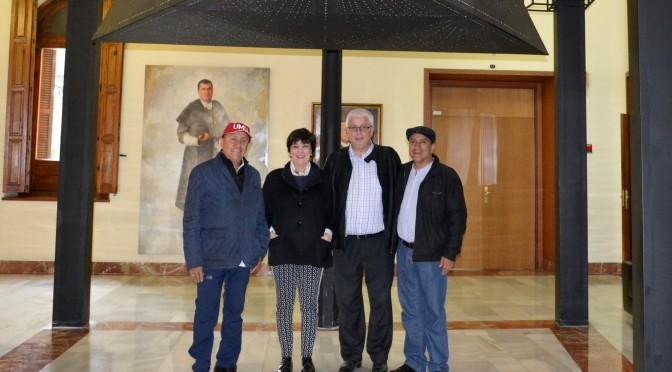 Jueces del agua de Perú visitan la Universidad de Muria para explicar sus funciones y su historia