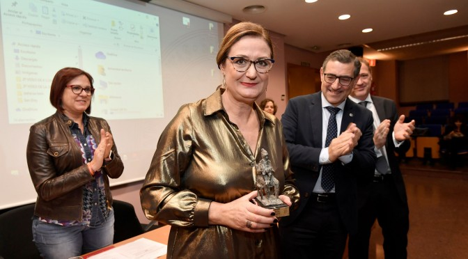 María Dolores Hernández recibe el XX Premio al Solidario Anónimo por sus campañas de cooperación sanitaria