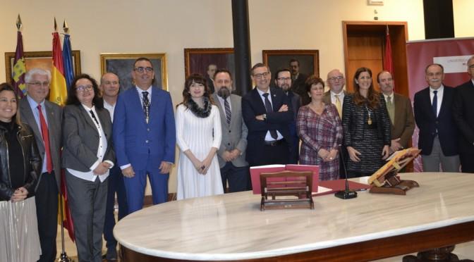 José Manuel López Nicolás y María Senena Corbalán toman posesión de sus nuevos vicerrectorados en la UMU
