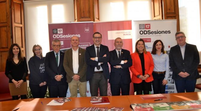 """La Universidad de Murcia y la OIT suscriben un convenio por el trabajo """"decente e inclusivo"""""""