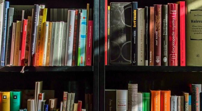 La UMU celebra el Día del Libro abriendo a toda la sociedad el Manual de Buenas Prácticas Ortográficas del profesor Ramón Almela