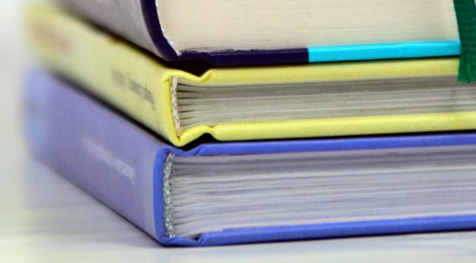 Investigadoras de la UMU editan un libro sobre la saliva como muestra para evaluar el estado de la salud