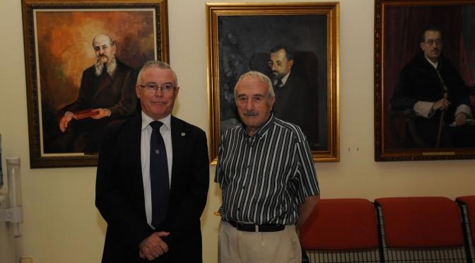 Muere José María Falgas, el artista que completó hace una década la galería de Rectores de la UMU con los primeros Comisarios Regios de la institución