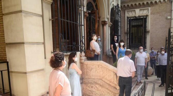 La Universidad de Murcia guarda un minuto de silencio por las personas fallecidas como consecuencia de la pandemia