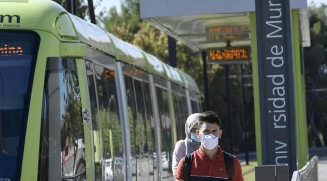 La Universidad de Murcia vela por que el comienzo de curso sea seguro para sus estudiantes y trabajadores también en los desplazamientos.