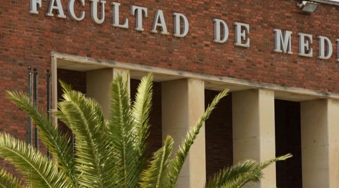 Tres tituladas en Medicina por la Universidad de Murcia ganan los premios del Colegio de Médicos a los mejores trabajos fin de grado
