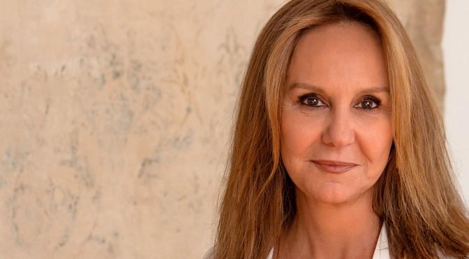 La escritora María Dueñas presenta el miércoles su nueva novela, 'Sira', en la Universidad de Murcia