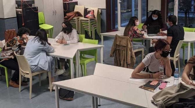Estudiantes de Publicidad de la UMU crean una campaña para incentivar la recogida de firmas para la protección jurídica del Mar Menor